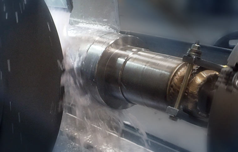 Photo of Diamond Grinding a cylinder